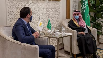 Photo of وزير الخارجية يستقبل وزير خارجية قبرص ويبحث معه العلاقات الثنائية بين البلدين الصديقين