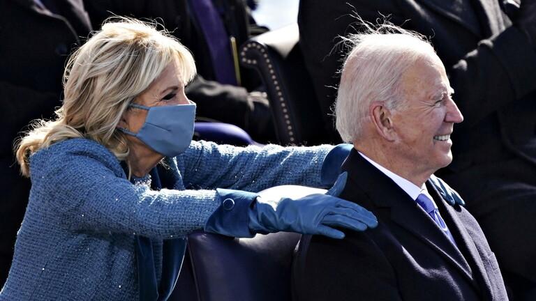 Photo of فيديو .. بايدن يصدر أول حزمة من المراسيم بصفته رئيسا للولايات المتحدة