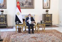 Photo of الرئيس المصري يؤكد خلال استقباله وزير الخارجية الكويتي على ارتباط أمن الخليج بالأمن القومي المصري