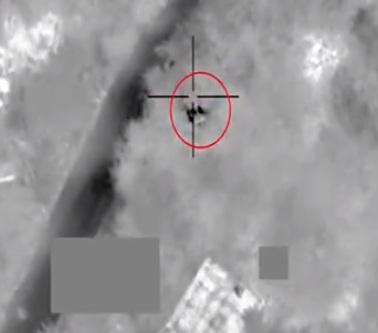 Photo of فيديو .. مقاتلات التحالف تستهدف القدرات والعناصر الإرهابية الحوثية ضمن جهود الإسناد والدعم من التحالف للجيش الوطني اليمني ورجال القبائل