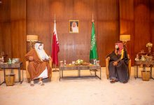 Photo of سمو ولي العهد يتلقى اتصالاً هاتفياً من أمير دولة قطر