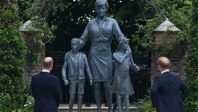 Photo of الأميران وليام وهاري يدشنا تمثال والدتهما ديانا