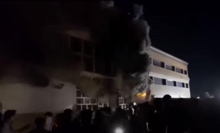 Photo of فيديو .. حريق في مركز عزل مصابي كورونا جنوبي العراق