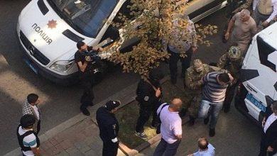 Photo of قوات الأمن الأوكرانية تلقي القبض على رجل هدد بتفجير قنبلة داخل مقر الحكومة