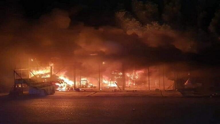 Photo of فيديو .. حريق ضخم في مخزن للمواد البلاستيكية في بغداد