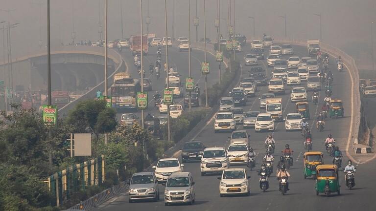 Photo of فيديو .. أمطار غير مسبوقة لم تشهدها الهند منذ 46 عاما تشل مطار نيودلهي